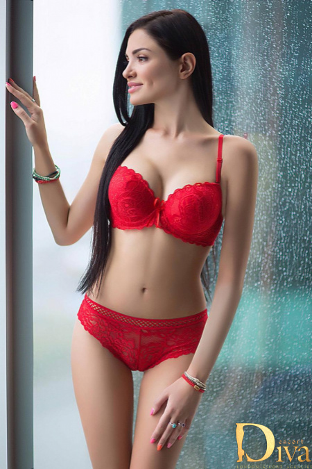 Key Features offered by the Asian Escorts